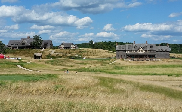 Erin-Hills-Golf-Course-Clubhouse